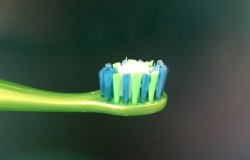 Toothpaste amount for children Ages 0-2